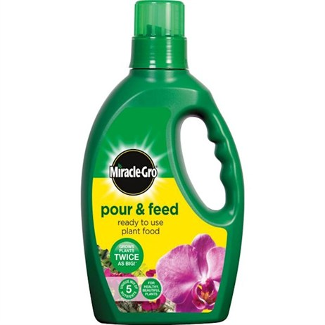 Miracle-Gro Pour & Feed Liquid Plant Food 3L (018109)
