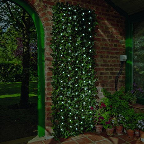 Gardman Solar Laurel Leaf Artificial Trellis - Large (03206)