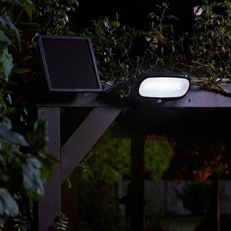 Smart Garden Pir Security Floodlight 500L Super Bright Solar Utility Lighting (1007001)
