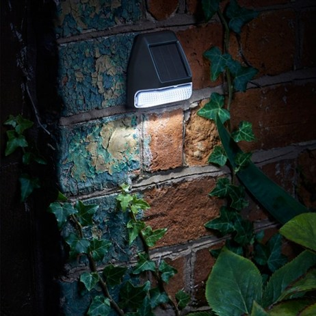 Smart Garden Wall Fence & Post Light 3L Super Bright Solar Utility Lighting (1007002)