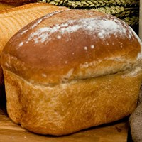 White Farmhouse Large Medium Sliced Bread