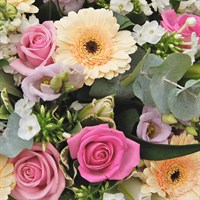 Bagshot Spring Hand Tied Bouquet Workshop - Mothering Sunday 22nd March 2020