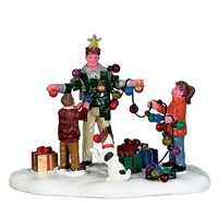 Lemax Christmas Village - Christmas Tree Dad Table Piece (73308)