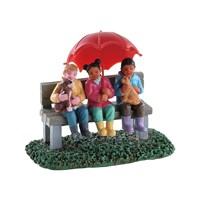 Lemax Christmas Village - Rainy Day With Friends Accessory (82577)