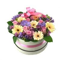 Small Pastel Mother's Day Hat Box Flower Arrangement