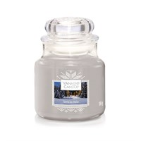 Yankee Candle Christmas - Small Jar - Candlelit Cabin (1623741E)